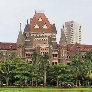 महाराष्ट्र सरकार को बड़ा झटका,कोर्ट के फ़ैसलों मे दख़ल देना भारी पड़ा,कोर्ट ने कहा कि कोर्ट के फैसलों में राज्य सरकार दख़ल नहीं दे सकती,लखन भैय्या फर्ज़ी एनकाउंटर के दोषी पुलिस वालों की सज़ा बरक़रार