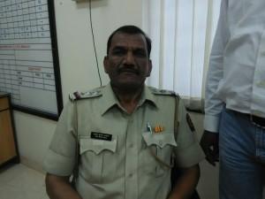 मुंबई पुलिस के सीनियर पी.आई के घर से निकला विदेशी शराब का ज़खीरा,वसूली और रिश्वत वसूलने की लिस्ट भी बरामद हुई,मुंबई ऐंटी करप्शन ब्यूरो की छान बीन में हुआ खुलासा
