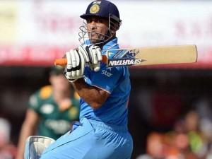 विजय हजारे ट्रॉफी में वरुण आरोन की कप्तानी में खेलेंगे महेंद्र सिंह धोनी