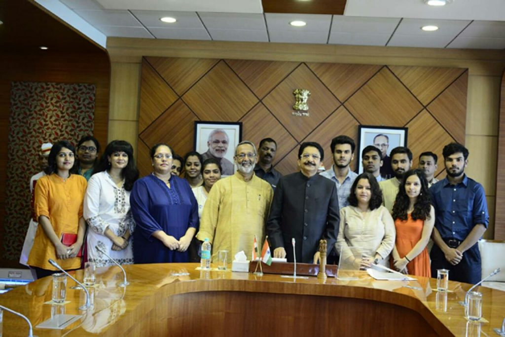 Maharashtra Governor Happy to Meet XIC Students