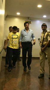 इक़बाल कासकर को शर्मा एंड कंपनी के उचक ले जाने की वजह से , मुंबई के हर थाने में रात के दौरान पीआई रैंक के ऑफीसर का रहना अनिवार्य