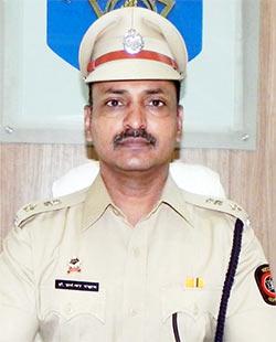 रॉयल स्मॉक हुक्का पार्लर हत्या के बाद इलाके में हुक्का बार पर गिरी पुलिस की गाज , लेकिन इस इलाके में हुक्का बार को मिला मुंबई पुलिस का साथ