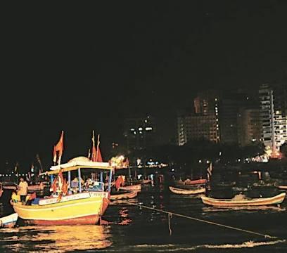 अरब सागर में आयल माफियाओं पर मुंबई पुलिस का प्रहार , 5 गिरफ्तार