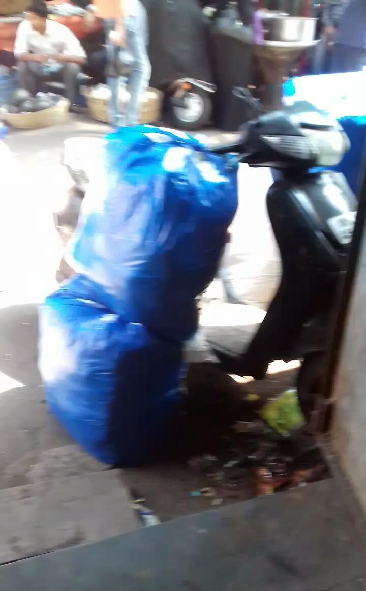 मुंबई के दबंग सीनियर पीआई के इलाके में गुटखे वालों का हुड़दंग , कैसे करेंगे इसे बंद