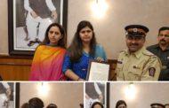 घर बैठे जादू से 35 देशों की यात्रा कर बैठा मुंबई पुलिस का यह पुलिस वाला