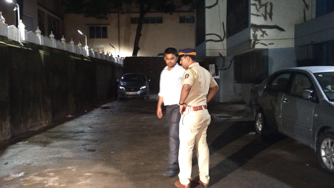 मुंबई के मरोल इलाके में फायरिंग , एक व्यक्ति ज़ख्मी