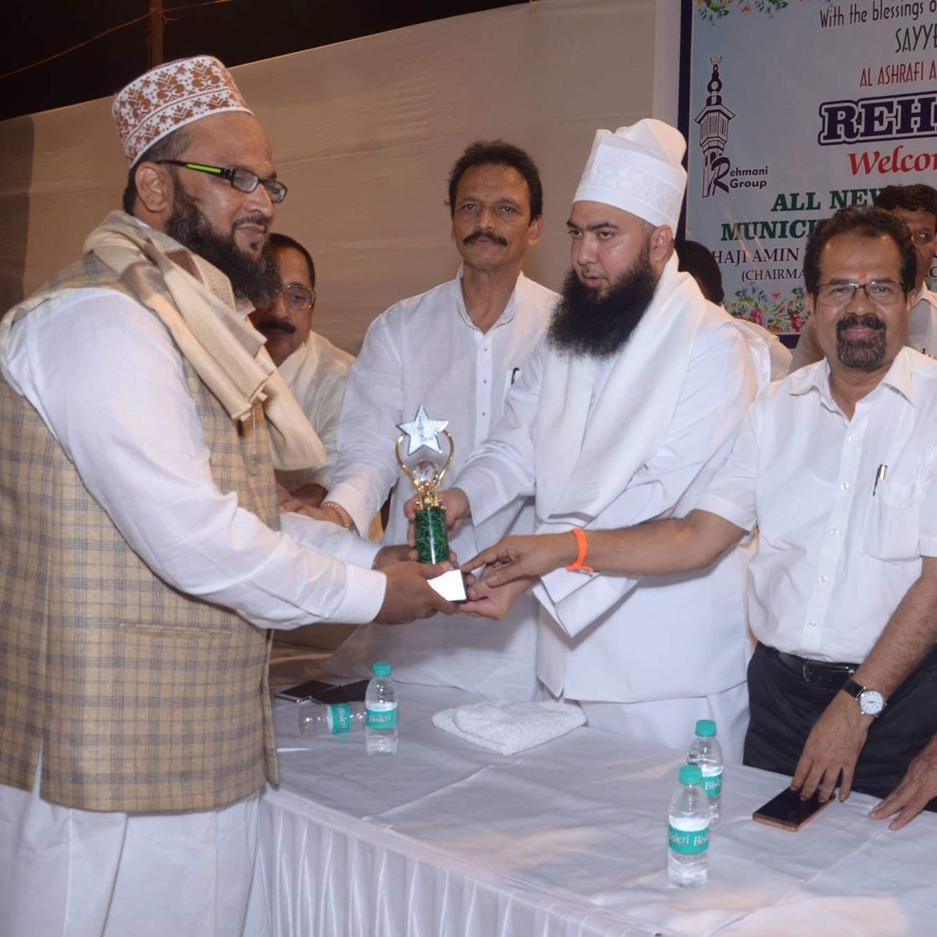 वरिष्ठ अधिकारियों के साथ फोटो देख कर धोखा न खाऐं , मस्जिद चोर और सुन्नयित के सौदागर से खुद को बचाऐं